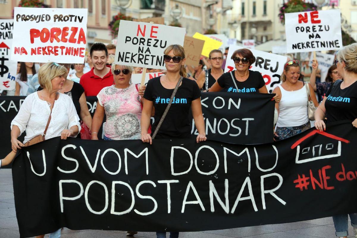 Prosvjedi u Rijeci i Dubrovniku: 'Jalova Vlado, raju cijediš, tajkune štediš!'