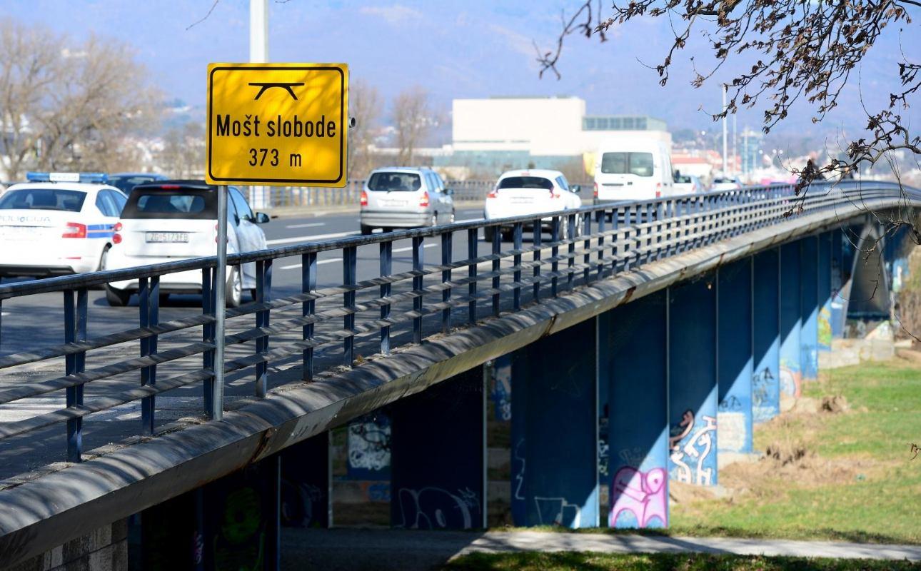 Most Slobode u Zagrebu je građen 1950. i na njemu nije napravljena rekonstrukcija koja je hitno potrebna