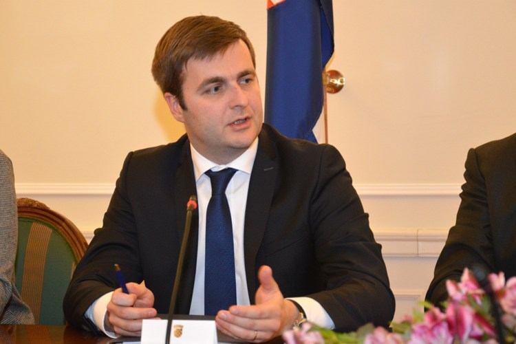 Ćorić zatražio da se odredbe iz kolektivnog ugovora primjenjuju do dogovora sa sindikatima