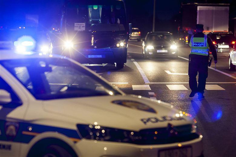 MUP znatno postrožava kazne za prometne prekršaje: dva prolaska kroz crveno ili dvije vožnje pod gasom i zbogom dozvoli!